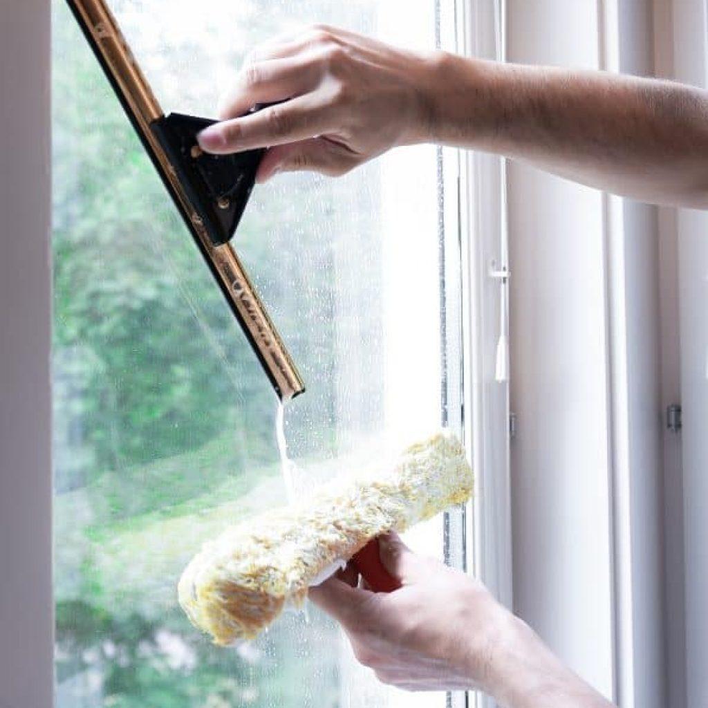 Fönsterputs i Sigtuna
